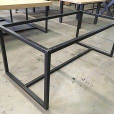 Iron Furniture, Diy Outdoor Furniture, Table Furniture, Metal Table Frame, Metal Table Legs, Industrial Design Furniture, Furniture Design, Mesa Metal, Welding Table