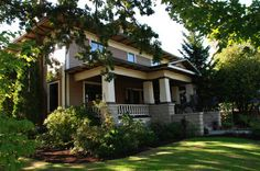 The Lions Gate Inn Bed & Breakfast Newberg Oregon, Oregon Wine Country, Lions Gate, Best Western, My Town, Hotel Reviews, Bed And Breakfast, Best Hotels, Resorts