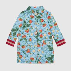 Gucci children's light blue strawberry print quilted coat with red/pink/red lurex web knit cuffs. Little Girl Outfits, Kids Outfits, Little Fashionista, Trendy Kids, Baby Dress, Kids Fashion, Blue Strawberry, Strawberry Fields, Gucci Kids