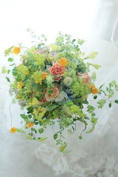 クラッチブーケ 軽井沢へ : 一会 ウエディングの花