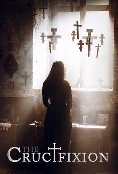 The Crucifixion: We volgen de gangen van een priester die opgesloten wordt na de dood van een non tijdens een duivelsuitdrijving. Maakte de priester een eind aan het leven van een psychische patiënt of verloor hij het gevecht met een demonische kracht? Een nieuwsgierige journalist duikt in de zaak in dit verhaal dat op ware gebeurtenissen is gebaseerd.