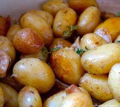 Ce matin au Marché des Capucins à Bordeaux, il y avait des petites pommes de terre grenaille. Elles sont succulentes et ce n'est pas la peine de les éplucher (Youhou ! ). Pour ceux qui l&rsqu…