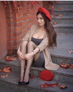 Fashion Models, Girl Fashion, Womens Fashion, Beautiful Legs, Gorgeous Women, Lil Black Dress, Fashion Tights, Mon Cheri, Pantyhose Legs