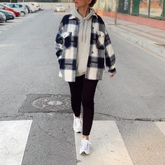 Classic Thick Colorblock Checked Button Down Shirt Jacket Woolen – sunifty Mode Outfits, Outfits For Teens, Uni Outfits, Easy Outfits, Checkered Shirt Outfit, Checked Shirt Outfit Women, Flannel Shirt Outfit, Flannel Coat, Plaid Shirt Women