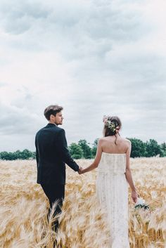 Photo by kreativ wedding DIY wedding midsummer field shooting flowercrown dress daughtersofsimone