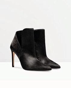 Boots from Zara, botas de zara de efecto pelo, perfectas con vestidos y faldas.
