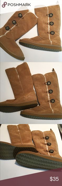"""{AE} Tan real suede fur lined boots """"100% Suede Soft brushed suede. Rustic three-button design. Soft faux fur lining. Durable rubber outsole. 11"""" shaft height. 16"""" circumference."""" In excellent used condition, no flaws, no signs of wear. See pic of soles for the intactness of treads. Shoes Winter & Rain Boots"""