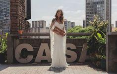 Leveza e sensualidade são as palavras que mais definem as novas linhas bridal de vestidos de alta-costura da estilista Emannuelle Junqueira.