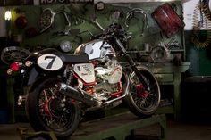 Moto Guzzi V7 Racer #motoguzzi #moto #caferacer #selected2011