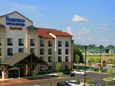 Sevierville (TN) Fairfield Inn & Suites Kodak United States, North America The 3-star Fairfield Inn & Suites Kodak offers comfort and convenience whether you're on business or holiday in Sevierville (TN). Offering a variety of facilities and services, the hotel provides all you need for a good night's sleep. All the necessary facilities, including free Wi-Fi in all rooms, 24-hour front desk, facilities for disabled guests, express check-in/check-out, meeting facilities, are at...