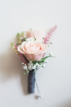 DIY and just as darling as they come, this Winnipeg wedding is a sure fire way to make your day extra lovely. It's overflowing with pin-worthy prettiness, and thanks to the gorgeous images captured byRachwal Photographwe can soak in all