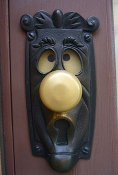 I want this door knob :D