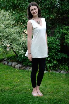 The Simple Tunic is perfect for the summer. Paired with leggings, a skirt, or your favourite eco-friendly jeans! A lovely tunic so simple it can be worn any way you wish. Get online to our website today and choose your colour of this Simple Tunic. Eco Clothing, Natural Clothing, Simple Tunic, V Dress, Minimalist Wardrobe, Summer Styles, Hemp, Work Wear, Organic Cotton