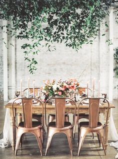 Copper + Blush Might Just Be the Most Perfect Wedding Color Palette EVER // wedding reception table decorations Fall Wedding Colors, Autumn Wedding, Wedding Color Schemes, Colour Schemes, Summer Wedding, Nordic Wedding, Wedding Dinner, Romantic Dinner Tables, Romantic Dinners