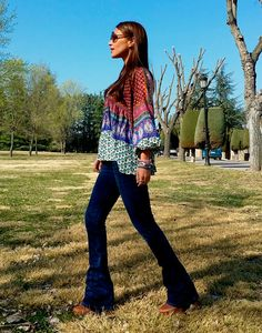 image3a 70s Fashion, Fashion Outfits, Womens Fashion, Oxford Jeans, Street Style, My Style, Casual, Pista, Clothes