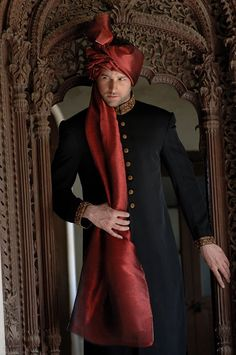 Groom fashion. Sherwani and turban.