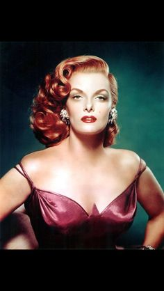 Retro Hairstyles Jane Russell Canvas Art - x - Jane Russell, Glamour Hollywoodien, Old Hollywood Glamour, Classic Hollywood, Old Hollywood Hair, Divas, 1940s Hairstyles, Wedding Hairstyles, Hairstyles Videos