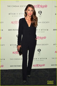 Keri Russell Wearing all black Stella McCartney Ofelia stretch-crepe jumpsuit and Saint Laurent Studded stiletto booties at the 'Austenland' New York Screening Kerri accessorize with a Tifanny & Co clutch. Keri Russell Style, Harper's Bazaar, Wearing All Black, Hollywood, Diane Kruger, Celebrity Look, Celebrity Gossip, Black Jumpsuit, Star Fashion