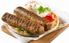 Greek Recipes, Meat Recipes, Recipies, Greek Dishes, Arabic Food, Tasty Dishes, Meatloaf, Food To Make, Sausage