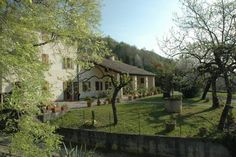 Albergo Volpara Mussolente Located 10 minutes' drive from Bassano del Grappa, Albergo Volpara is an old farmhouse with typical restaurant and large gardens. It offers free parking, and rooms with free Wi-Fi and LCD TV.