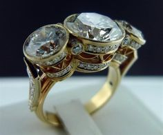 Ring… exquisite!