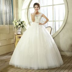 2014 new fall fashion white lace wedding dress princess tutu shoulders Qi was thin big yards