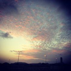 Ogni tramonto è speciale, ti a sempre restare senza parole davanti alla bellezza e all'imponenza della natura.. Ogni dannata volta.. #sunset #sky #instagram #stillness