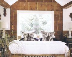 Trendy kolorystyczne w aranżacji wnętrz Tapestry, Bed, Furniture, Home Decor, Hanging Tapestry, Tapestries, Decoration Home, Stream Bed, Room Decor
