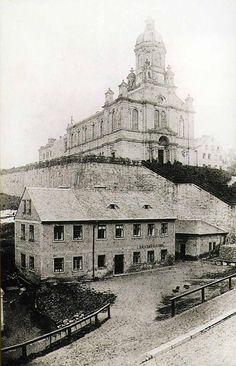 Berg, Czech Republic, Paris Skyline, Louvre, Building, Travel, Lisbon, History, Construction