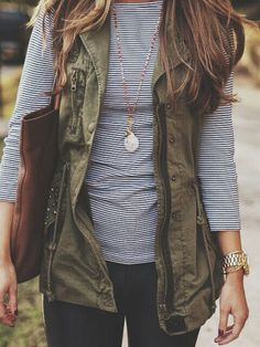 Any army jacket vest that is long and cute - Casual Outfits Mode Outfits, Casual Outfits, Fashion Outfits, Vest Outfits, Casual Wear, Looks Chic, Looks Style, Fall Winter Outfits, Autumn Winter Fashion