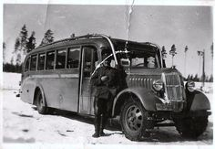 1935 REO bus in the winter war Night Shadow, Fight For Us, Great Movies, Finland, Ww2, Freedom, Military, Winter, Historia