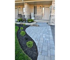 Hamilton Patio Project Gallery - Southern Ontario Interlocking Patios - Professional Flagstone Patios and Walkways - Stoney Creek Patio Construction - Natural Stone Patio Image Gallery - Outdoor Traditions Landscaping