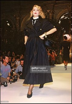 Jerry Hall modeling for Chanel (Karl Lagerfeld) 1986 Spring/Summer ready-to-wear collection fashion show, Paris.