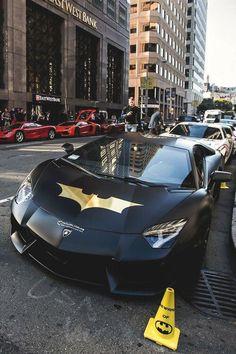 Great automobile from Lamborghini, a top quality auto brand name. BMW is among one of the most famous auto brand names worldwide. Lamborghini autos are sporty and also cool. Lamborghini Veneno, Carros Lamborghini, Maserati, Bugatti, Benz Auto, Dream Cars, Automobile, Bmw Autos, Best Luxury Cars