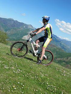 Si buscas alguna alternativa gratuita para tus ratos de ocio el Anillo Ciclista de la Montaña Central de Asturias te ofrece un recorrido para ciclista y senderistas muy atractivo VEN A VERLO Bicycle, Sports, Adventure, Bike, Bicycle Kick, Bicycles