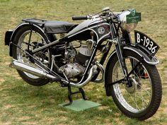 1936 CZ 175 Sport Tourist - My Ideas & Suggestions European Motorcycles, American Motorcycles, Vintage Motorcycles, Cars And Motorcycles, Classic Motors, Classic Bikes, European Models, Ride 2, Chris Craft