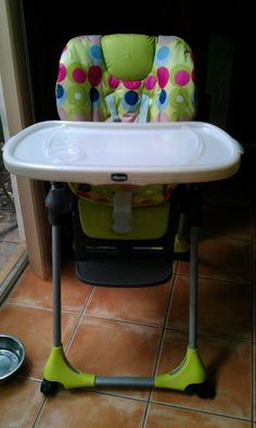 NEED this chicco high chair come with two tray covers &  folds flat for storage!!!  Also, can make different covers!