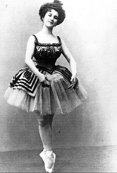 Ballerina Lydia Lopokova posing in costume for the ballet ...
