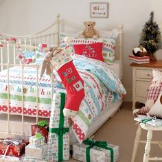 christmas bedding | be dreaming of many white Christmases in this Christmas themed bedding ...