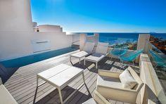 Marbella Estepona Immobilien. Luxus Duplex-Penthouse direkt am Strand mit 87 m2 Terrasse und wunderbaren Meerblick. Vereinbaren Sie noch heute einen Besichtigungstermin #immobilie #immobilien #meerblick #penthouse #apartment #ferienwohnung #marbella #estepona #costadelsol #southspain #spain #strandhaus #strand #urlaub #altersruhesitz #geldanlage #seaveo #kuxusimmobilie #luxusimmobilien #luxusapartment #luxuspenthouse