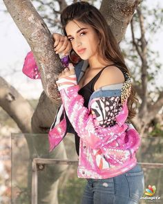 Nidhi agerwal cute and hot bollywood Indian actress model unseen latest very beautiful and sexy images of her body curve south ragalhari nav. Most Beautiful Bollywood Actress, Bollywood Actress Hot, Beautiful Actresses, Indian Bollywood, Sonam Kapoor, Deepika Padukone, Nidhi Agarwal Actress, Nidhi Agarwal Hot, Hollywood Actress Pics