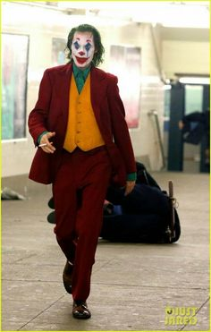Daily entertainment news funneled to you straight from the heart of Hollywood Joker Film, Joker Dc, Joker And Harley Quinn, Joaquin Phoenix, Dc Comics, Joker Origin, Joker Phoenix, Joker Drawings, Backgrounds