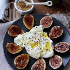 Figos caramelizados com queijo burrata @ allrecipes.com.br