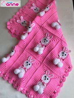 Rabbit baby blanket making - Emma Home Crochet Panda, Crochet Daisy, Crochet Quilt, Crochet Bunny, Crochet For Kids, Diy Crochet, Baby Knitting Patterns, Crochet Flower Patterns, Afghan Crochet Patterns