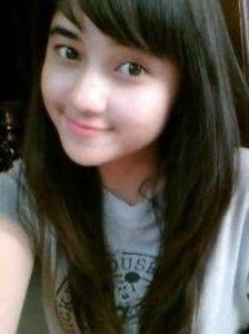 ... Cewek Bahagia, Cewek Cantik Dan Manis, Cewek Manjah, Cute Girl Cewek  | #bandung #gadis #cantik #cewek