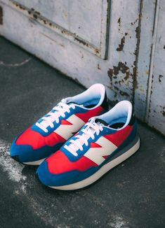 Baskets New Balance 237 colori Velocity red & atlantic #chaussures #baskets #sneakers #newbalance #nb237 #rouge #bleu #shoes #red #blue Baskets, New Balance, Sneakers, Red, Shoes, Style, Tennis, Swag, Slippers