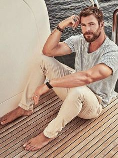 "mancandykings: ""Chris Hemsworth for Foxtel Magazine (June """"I'd love to direct, it would be insanely challenging. To have that responsibility and creative freedom really interests me. Chris Hemsworth Thor, Segel Outfit, Hemsworth Brothers, Look Man, Barefoot Men, Attractive Men, Celebrity Crush, Celebrity Dads, Bearded Men"
