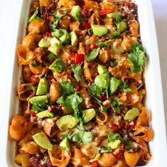 Mexicaanse pasta met een avocadosalsa - Lot of Taste Fusilli, Mexicans, Cheddar, Vegetable Pizza, New Recipes, Avocado, Good Food, Cheddar Cheese, Lawyer