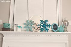 Happy Monday! What do you do with the few awkward weeks after Christmas?Do you do a winter mantel or do you go from Christmas decor straight to Valentine's Day? Well, I like to put up a few winter decorations on my mantel for a few weeks into Janua