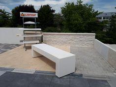 Mur de clôture préfabriqué, design en L, finition lisse, pierre sèche, roses, vignes, etc.